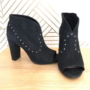 Vince Camuto V-expose Ankle Open Toe Black Booties